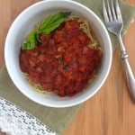 Sweet & Simple Marinara - For those like their red sauce slightly on the sweet side, this is the recipe for you. This is super easy to make and full of rich flavor, but packed with superfoods too. This is the perfect sauce for a weeknight dinner but delicious enough for any special occasion. Use it as the base for any parmigiana recipe, meatballs, or baked pasta dish. #MakeHealthyEasy via @JBraddockRD #CleanEating #Recipe #Italian