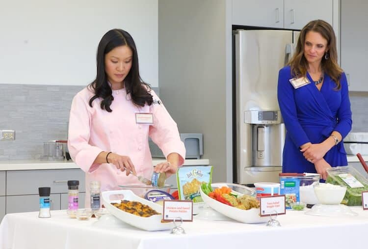 ALDI Test Kitchen with their chef and dietitian. #MakeHealthyEasy via @JBraddockrd  https://jennabraddock.com