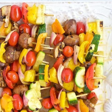Kabobs are an easy, healthy and delicious way to serve fruits and vegetables. Learn how to make grilled fruit & vegetable kabobs with this easy to follow and adjustable recipe. #MakeHealthyEasy via @JBraddockRD https://jennabraddock.com