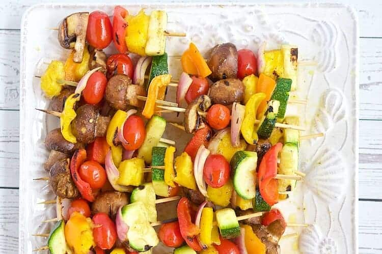 Kabobs are an easy, healthy and delicious way to serve fruits and vegetables. Learn how to make grilled fruit & vegetable kabobs with this easy to follow and adjustable recipe. #MakeHealthyEasy via @JBraddockRD http://jennabraddock.com