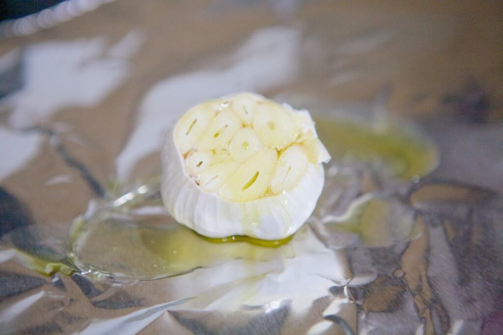 "How to ""roast"" garlic in the slow cooker. #MakeHealthyEasy via @JBraddockRD http://JennaBraddock.com"