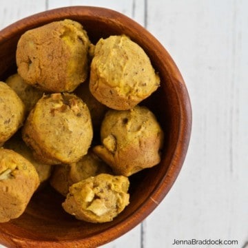 These healthy Pumpkin Apple Mini Muffins are perfect recipe for snacking or giving as a DIY holiday gift.