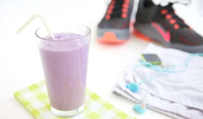Should Athletes Eat a Nighttime Snack & High Protein Smoothie Recipe