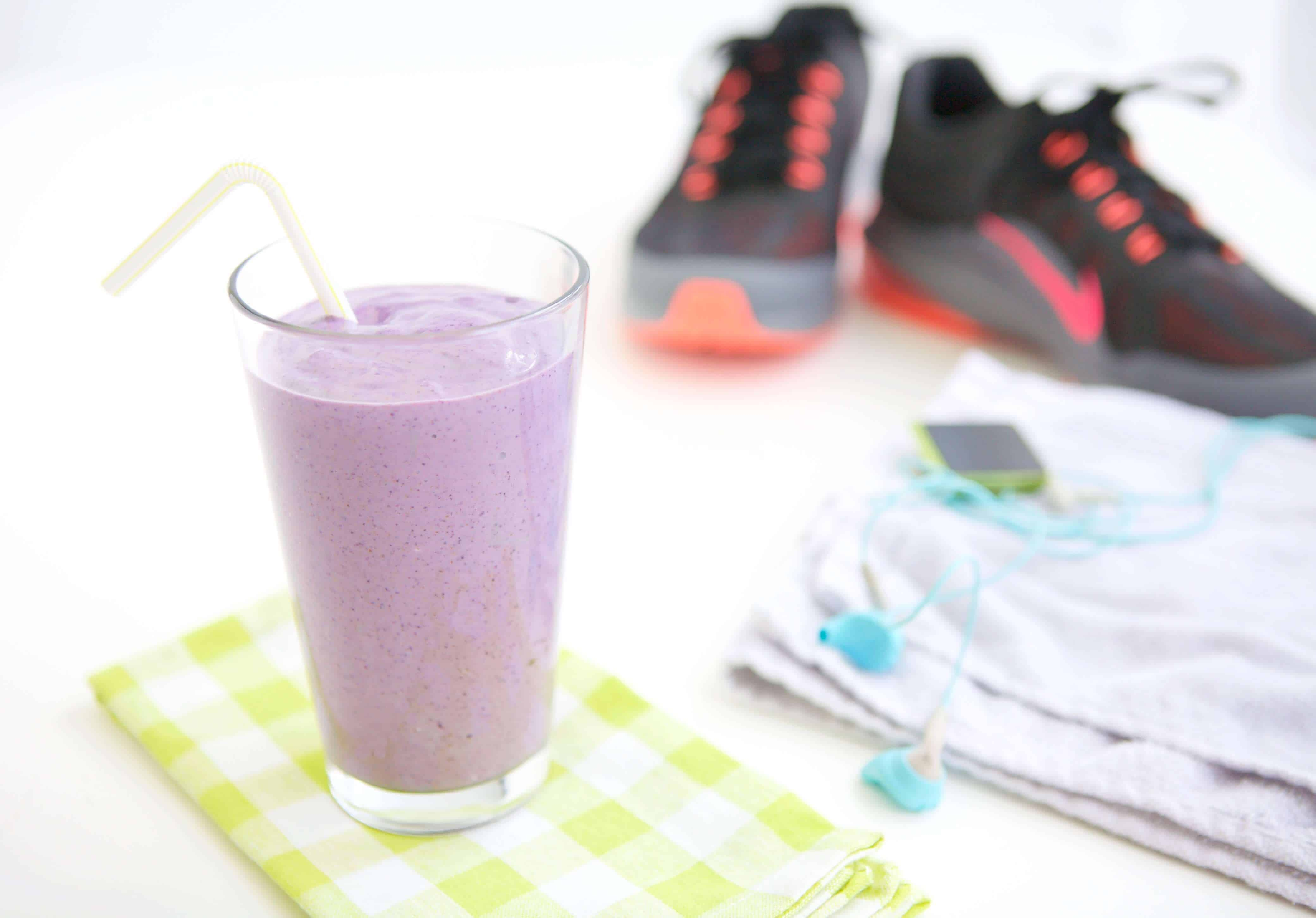 Should athletes eat a nighttime snack high protein smoothie recipe in my work with athletes a very common question i get is forumfinder Gallery