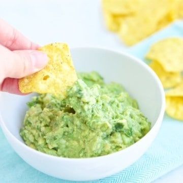 Easy Guacamole Recipe - the perfect party recipe