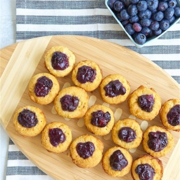 Take your next tailgate up a notch with these easy to prep-ahead Boozy Blueberry Bacon Bites. It delivers all your favorite football flavors in a mindful bite size.
