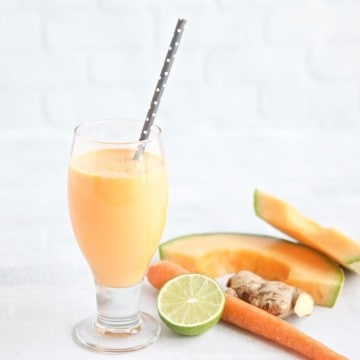 What does cantaloupe have to offer? Well, quite a lot actually. Learn about the health benefits of eating cantaloupe and get a tasty recipe for a cantaloupe ginger lime smoothie.