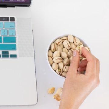 5 reasons pistachios make healthy easy