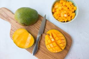 how to cut mangos